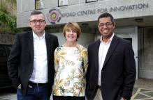 Jakub Rakoczy and Margaret Hewitt of Oxford Innovation and Dr Rajarshi Banerjee of Perspectum Diagnostics at Oxford Centre for Innovation